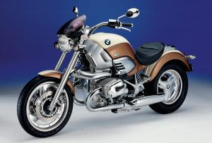 """The BMW R 1200 C """"Independent"""" with its beige & brown colours"""