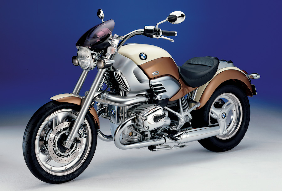 "The BMW R 1200 C ""Independent"" with its beige & brown colours"