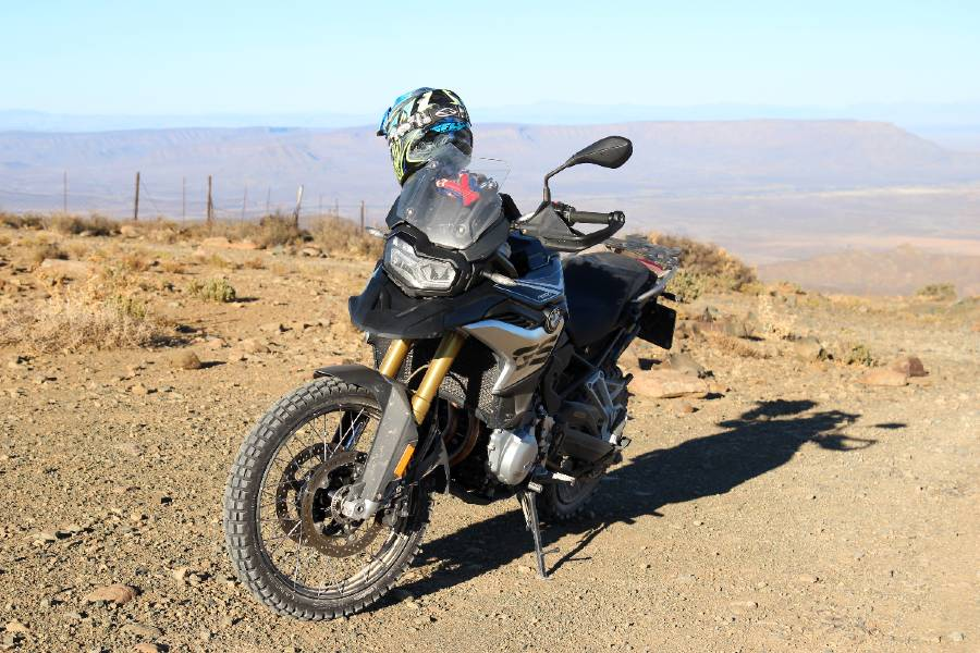 The bike on Rammelkop pass, Karoo scenery in the background