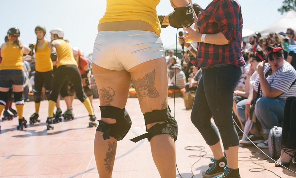 Rear of roller-derby skater gurl